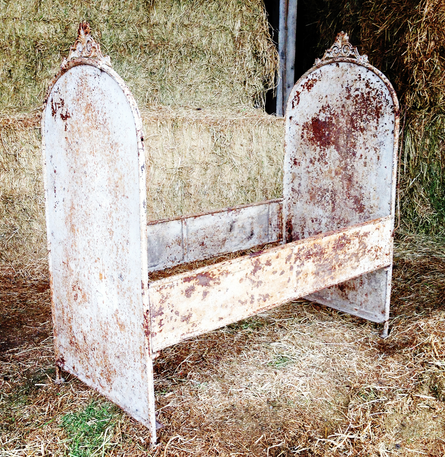 French Rusty & Crusty Antique Bed/Settee-