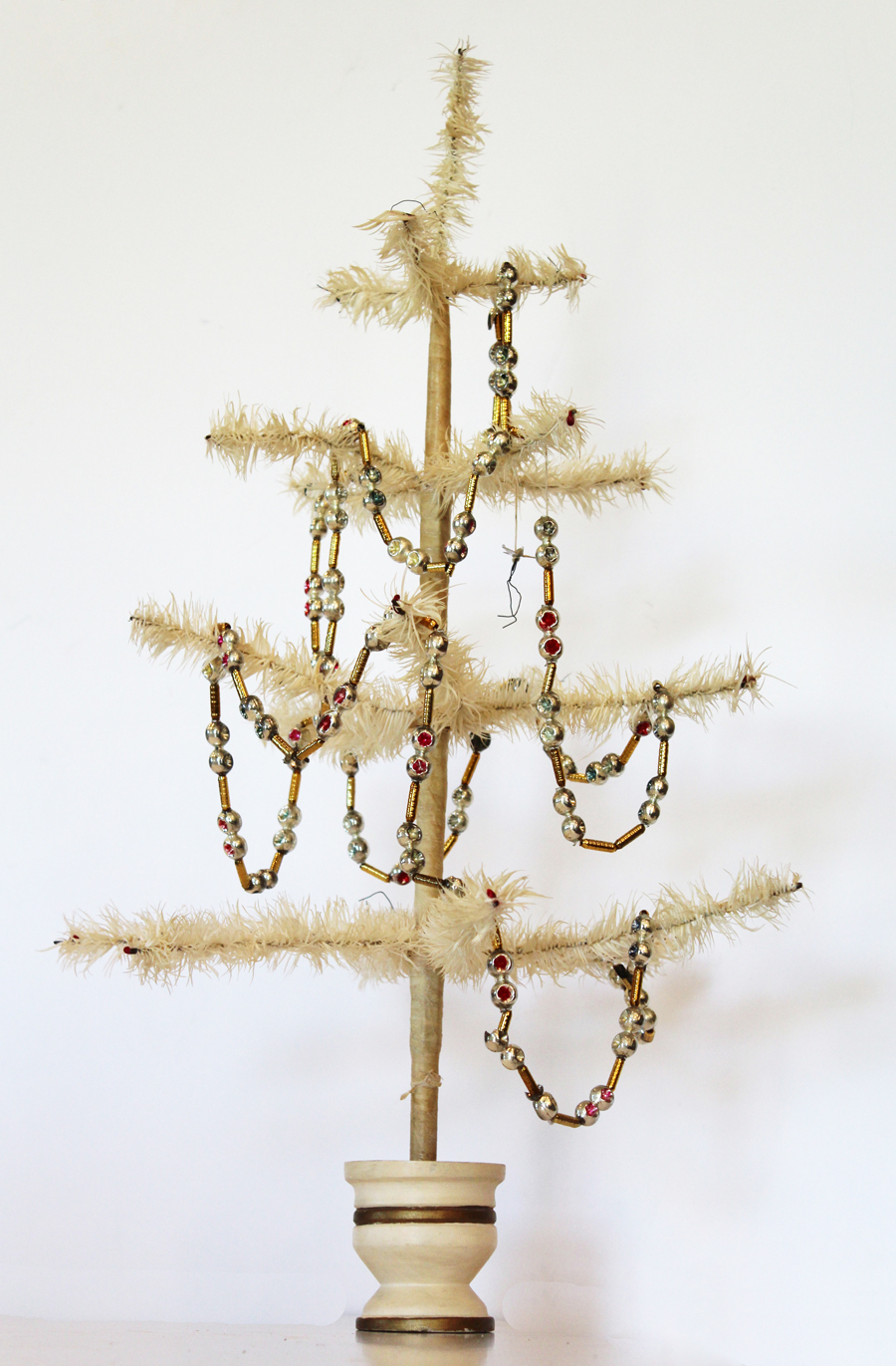 Antique Natural White Antique Goose Feather Tree w/Berries-