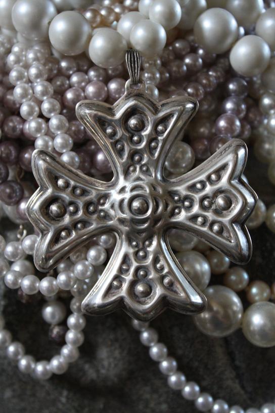 Vintage Sterling Silver Xlrg Cross Pendant Beautiful-