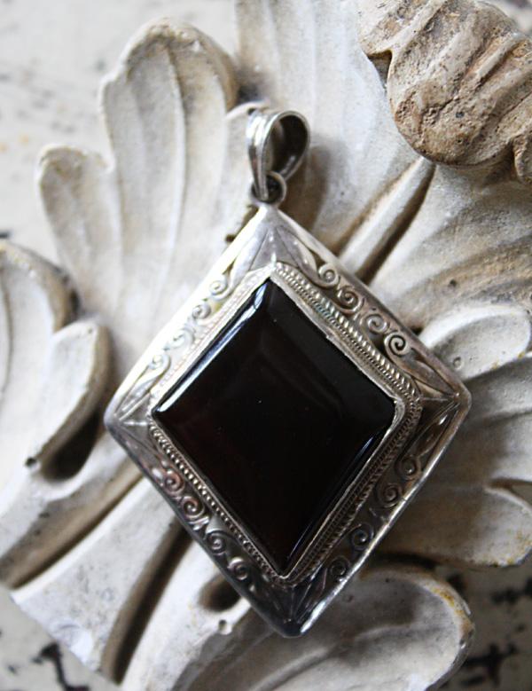 Sterling Silver & Agate Vintage Pendant-