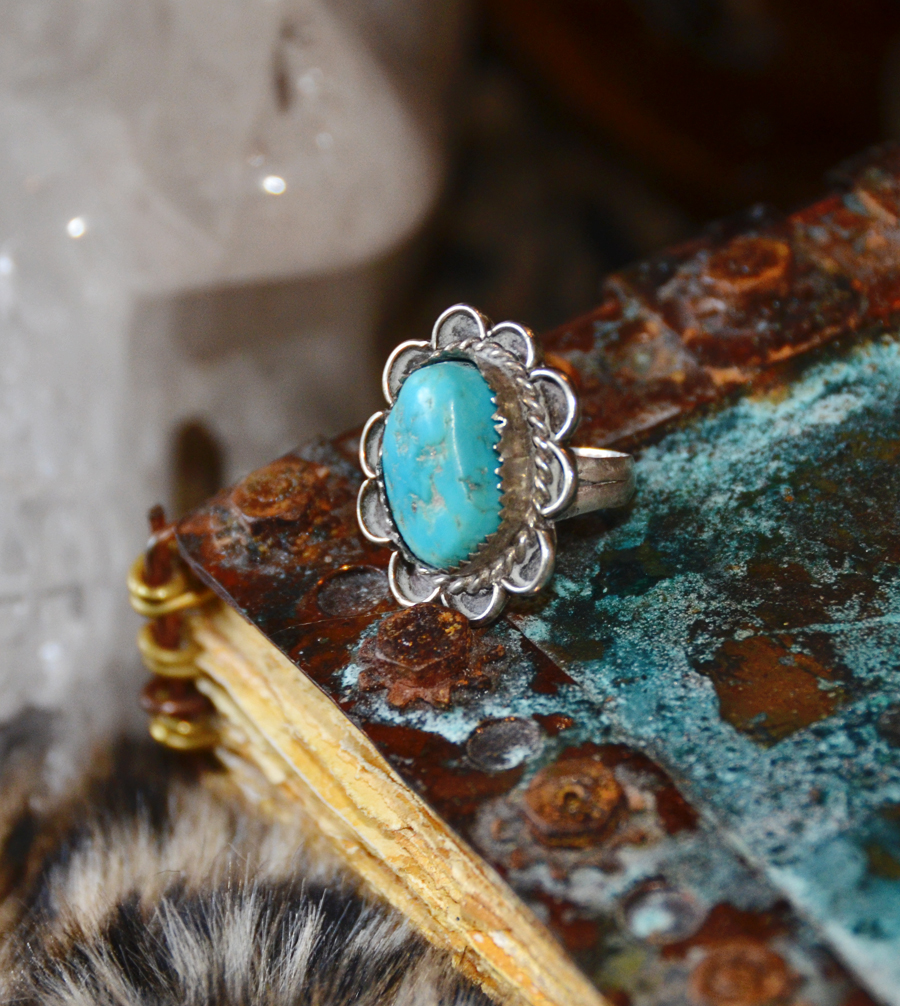 Antique Native Sterling Silver & Turquoise Ring-