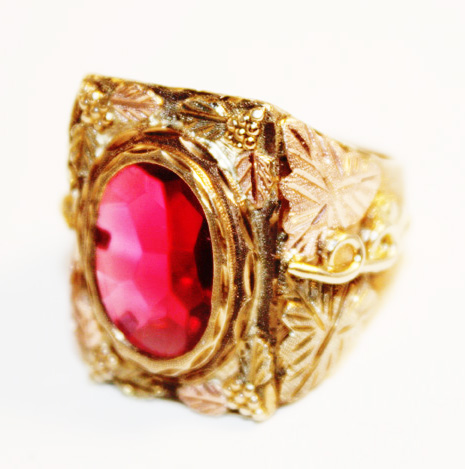Incredible Estate Big Sythentic Ruby Ring Rose Gold-