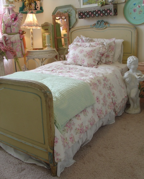 C 1900s French Barbola Roses Antique Bed-
