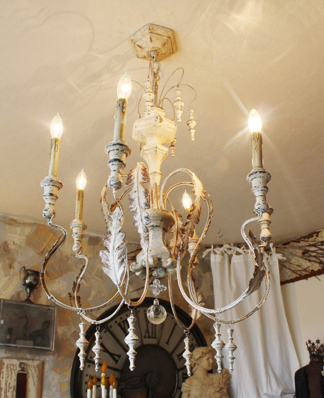 Gorgeous Aged White Wood & Tole Metal Xlrg Chandelier