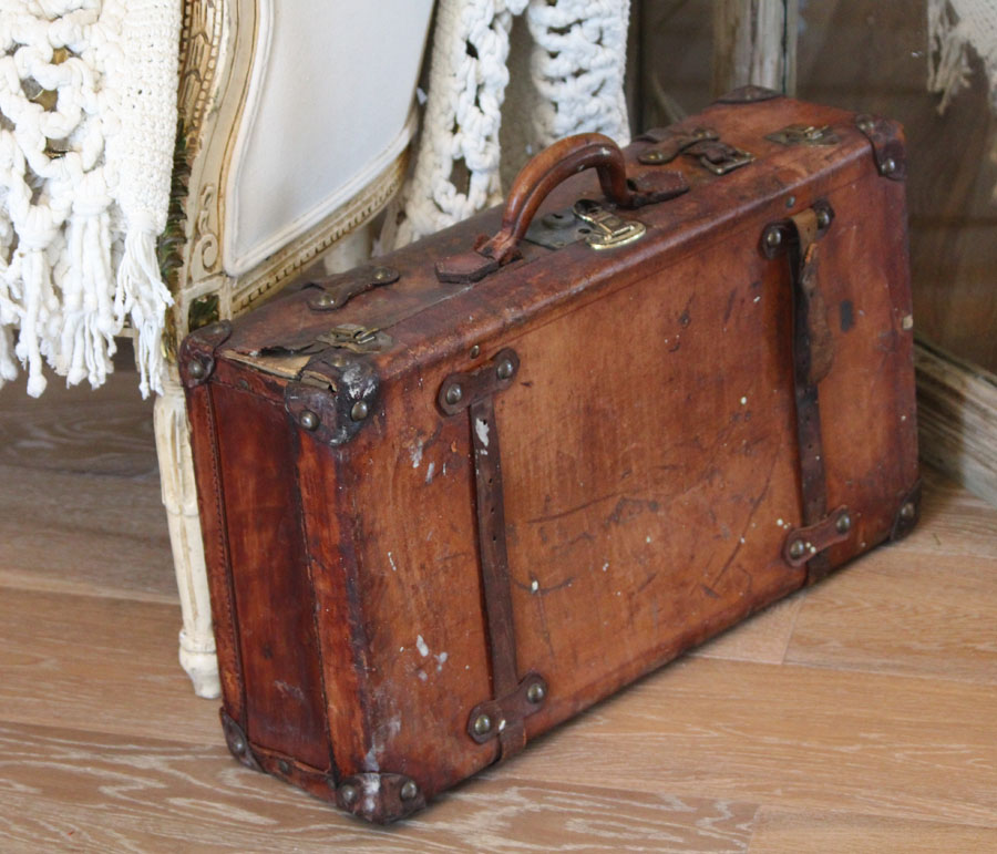 Beautiful Antique Leather Suitcase Linen Lining
