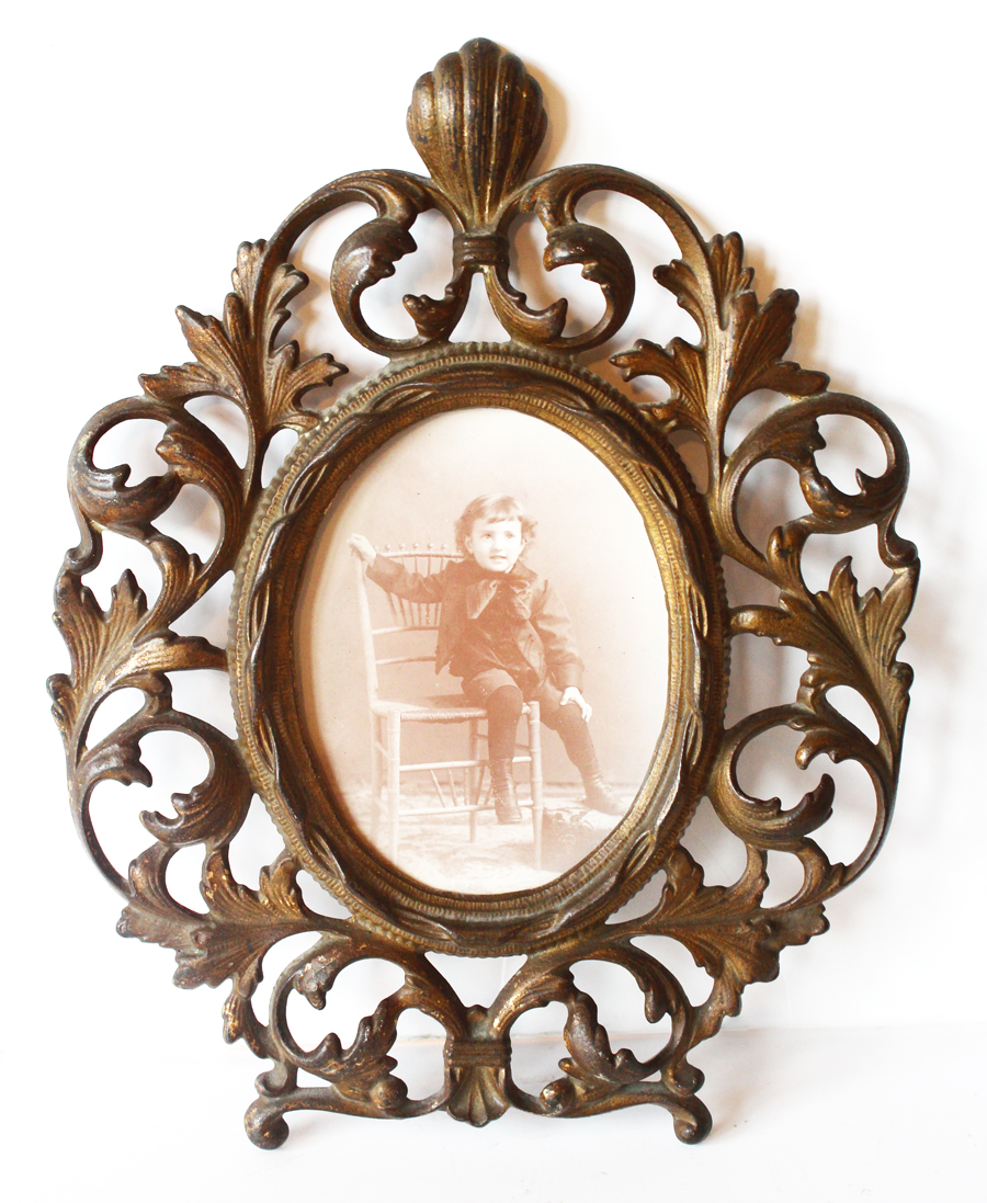 Antique Picture Frame w/Child Photo-