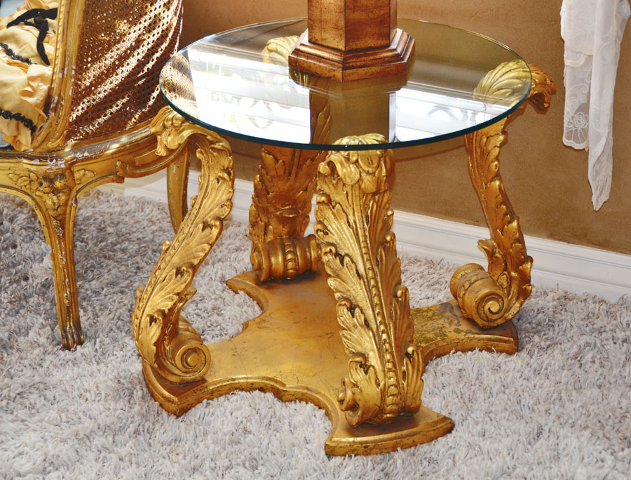 Rare Italian Florentine Endtable/Cofee Table Carved-