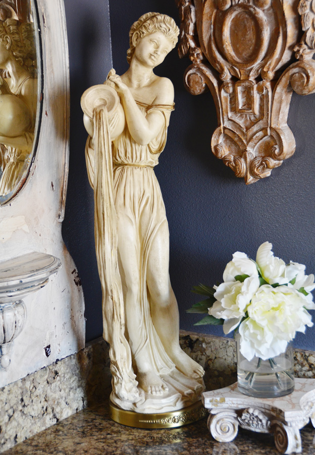 Antique Goddess Beauty Statue Sculpture-