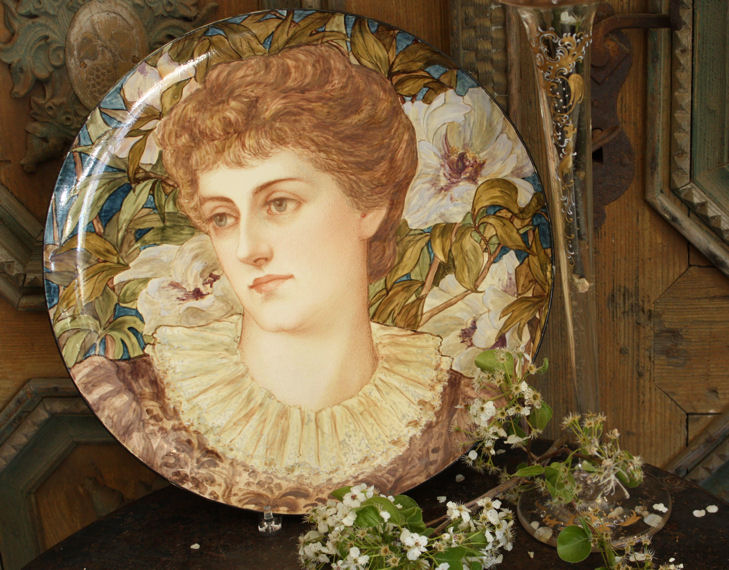 Rare English Portrait Plate from the Pre-Raphaelite Period-