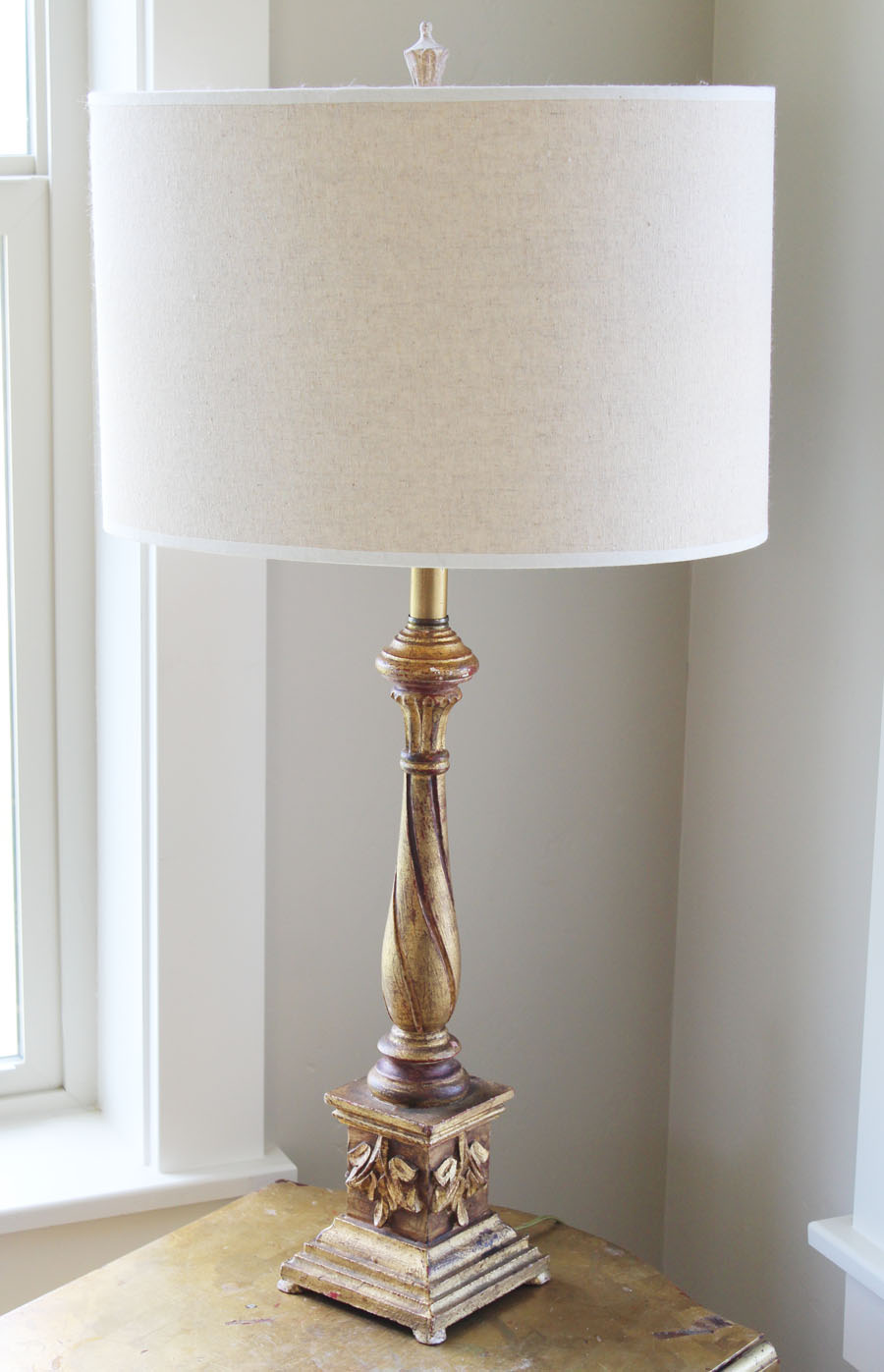 Made in Italy Carved Antique Lamp by Palladio Gorgeous Details
