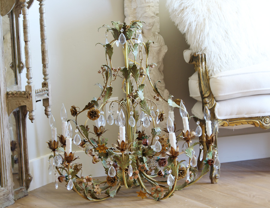Incredible Xlrg Italian Tole Floral Chandelier Stunning