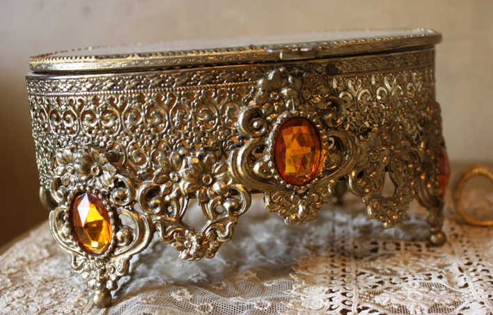 Antique Jewels & Filligree Jewelry Casket Gorgeous