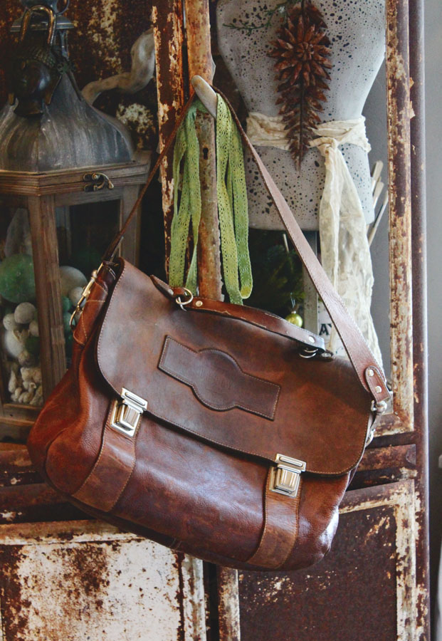 Vintage Worn in Gorgeous Leather Satchel