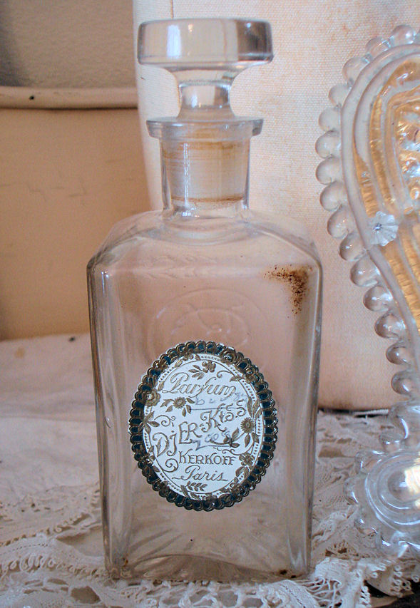 Rare 1900s French Perfume Bottle Gorgeous Label