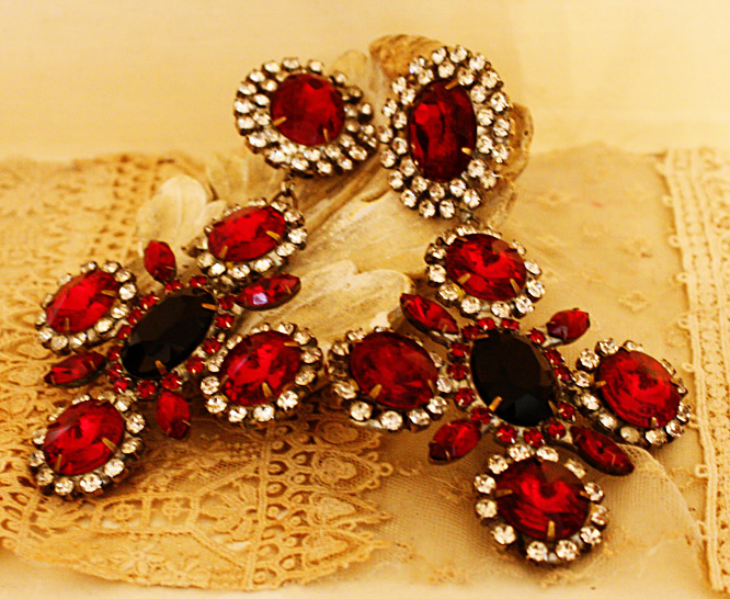 Drop Dead Gorgeous Pair Antique Earrings 1940s Stunning-