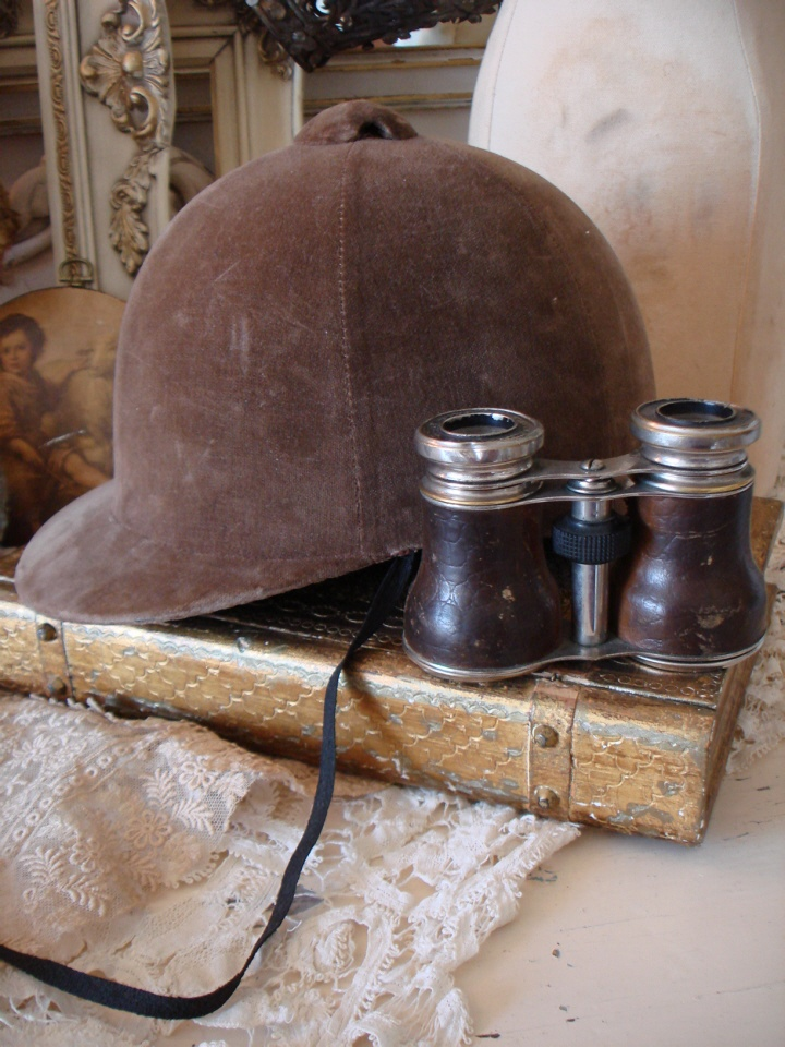 ANTIQUE JOCKEY HAT & OPERA FIELD GLASSES Gorgeous Pair-