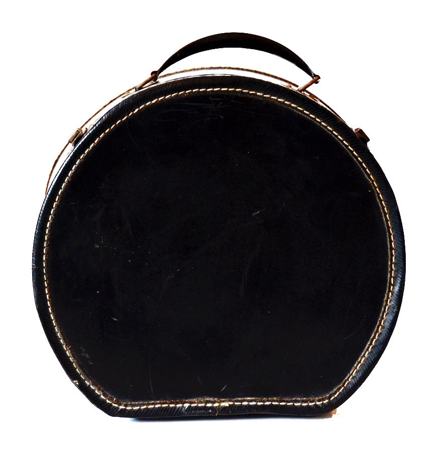 Vintage Round Train Case Great Graphics-