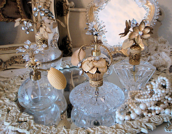 INCREDIBLE Antique Irice Tremble Flower Perfume Bottle-