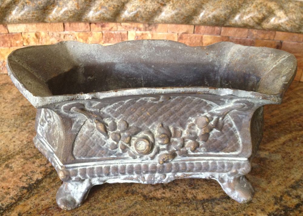 Vintage Table Top Cast Iron Urn Rose Swag Details