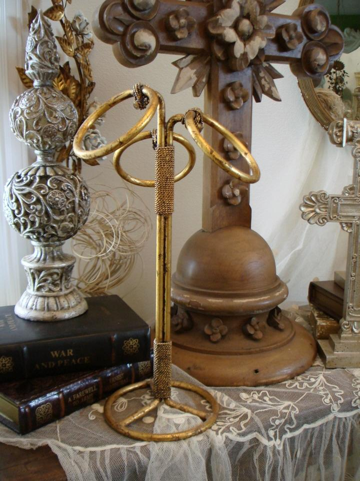 Italian Tole Florentine Gilt Towel Bar Antique