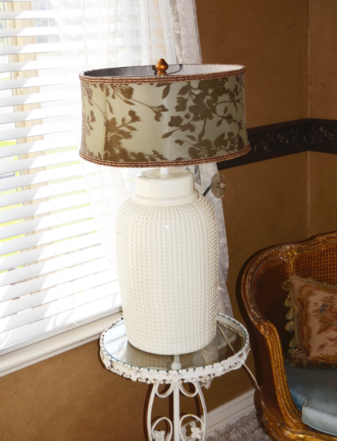 Antique White Ceramic Xlrg Ginger Jar Lamp-