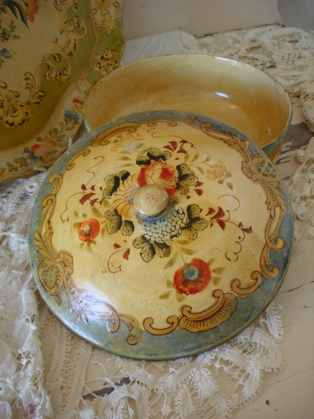 Beautiful Antique Paper Mache Tole Lidded Bowl Floral-